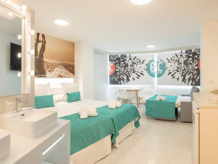 Party studio 6/6 apartamentos benidorm celebrations™ music resort (adults only)