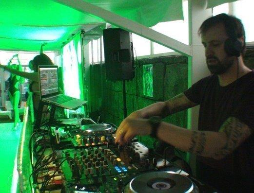 Fiestas amenizadas con los mejores DJ   Benidorm Celebrations™ Pool Party Resort (Adults Only)