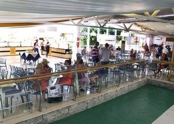 Snacks en bares y restaurante   Benidorm Celebrations™ Pool Party Resort (Adults Only)