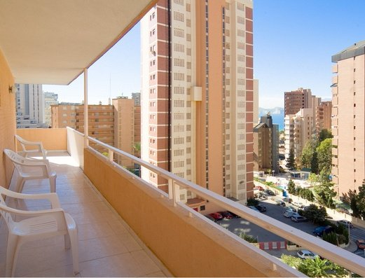 Vistas desde la Terraza Apartamentos Benidorm Celebrations™ Pool Party Resort (Adults Only)